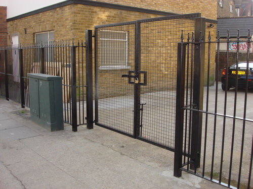 Wire mesh double commercial security gates